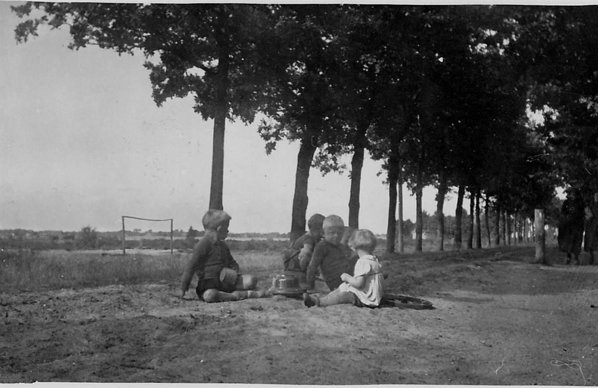 1939 Lokatie voetbalveldje tegenover de school, nu boerderij De Jonge