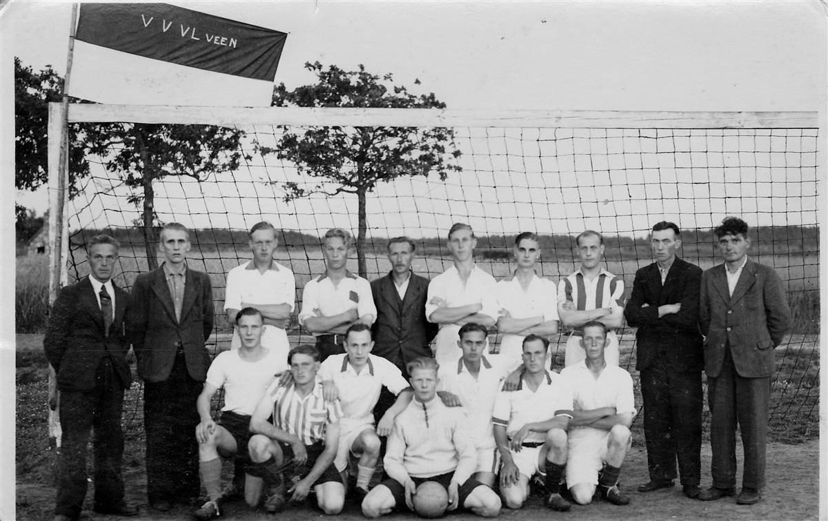 Kampioensfoto v.v. Vledderveen 1948