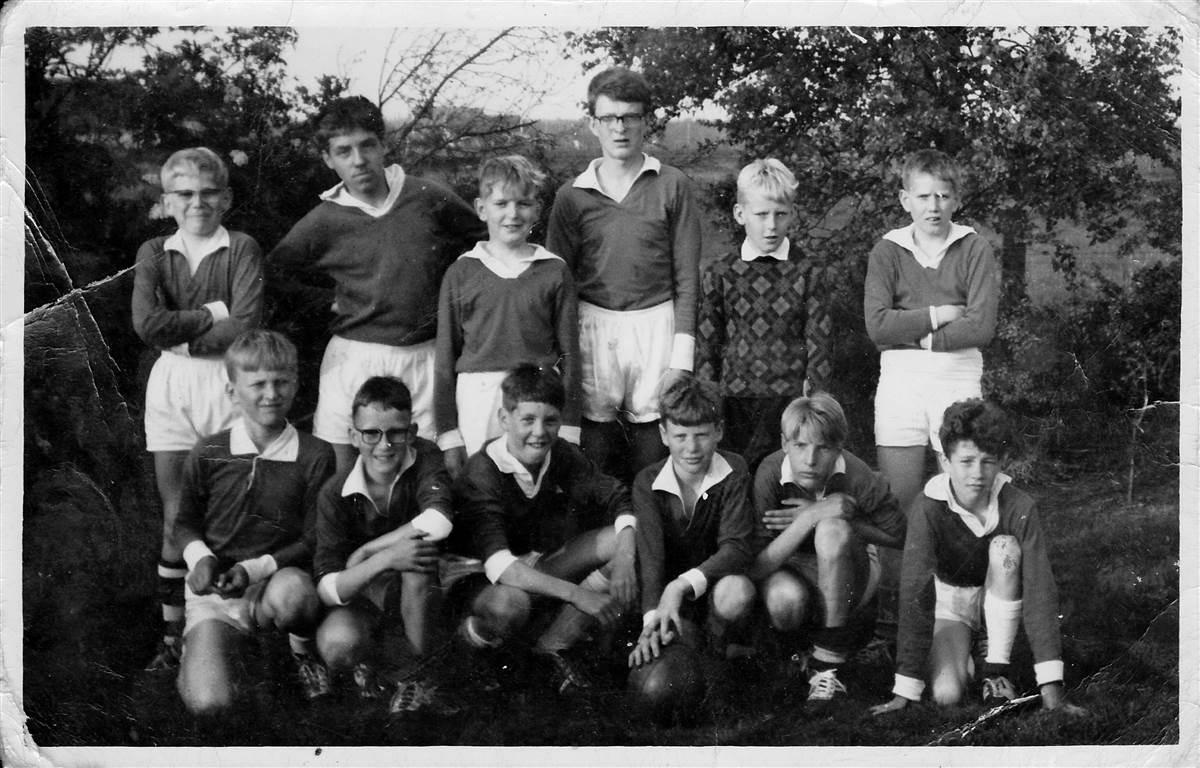 1966 kampioensteam schoolvoetbal gem. Vledder