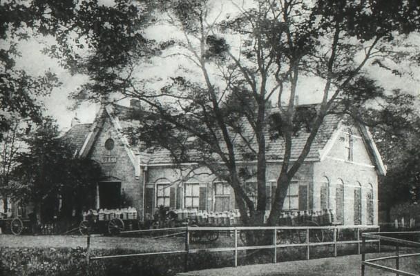 Foto 2 van Zuivelfabriek Deli te Wilhelminaoord omstreeks 1904 (bron: A.K. Bovenkamp, Fledderkerspel)