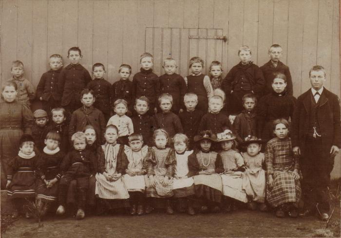 Zondagsschool omstreeks 1900 (bron: J. van Weert, fledderkerspel.nl)